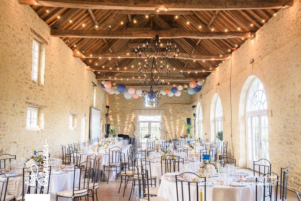 Manoir de Chivré - Décoration salle - Guirlande guinguette - Décoration mariage - Les crâneuses - Wedding planner - normandie