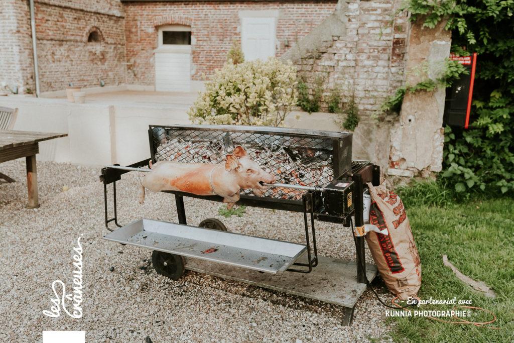 mariage - cochon à la broche - champêtre - rustique - organisation mariage - Les crâneuses - Baie de Somme