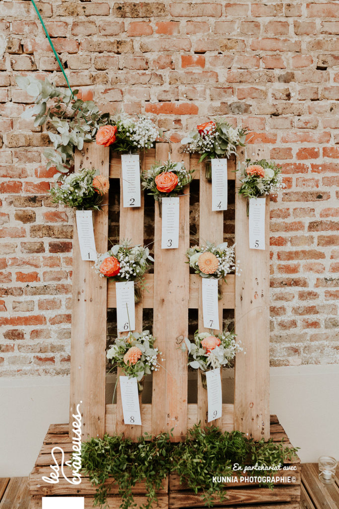 Décoration mariage - Plan de table - palette en bois - fleurs - champêtre - Les crâneuses
