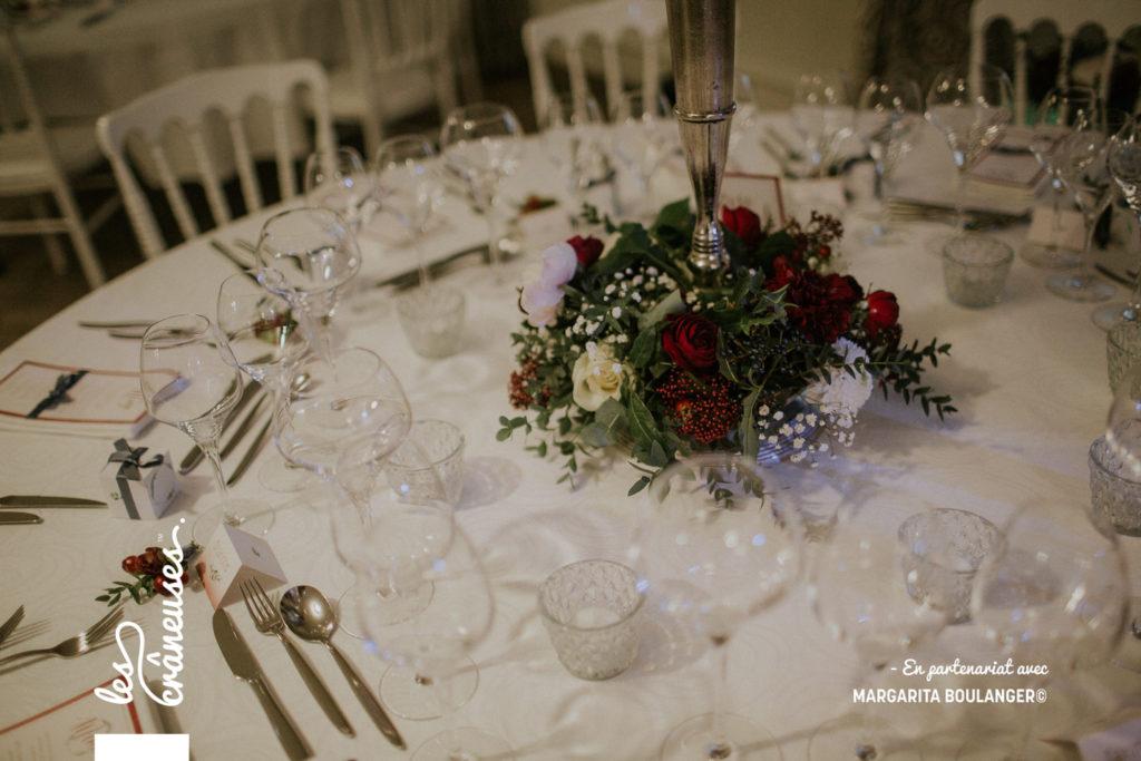 Chateau Couturelle - mariage - décoration table - Hiver - Les crâneuses - Fleurs rouges