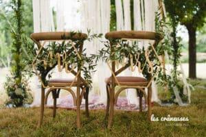 Mariage industriel Domaine De Guerquesalle - Les Crâneuses - chaise Mr & Mrs - Décoration