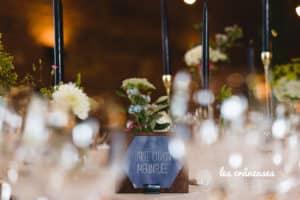 Décoration Domaine De Guerquesalle - Les Crâneuses - Décoration table mariage - Nom de table - Bougeoir doré