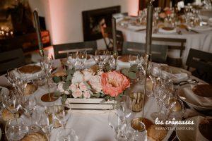 Centre de table mariage - Pastel - Chic - Fleurs - Caisse en bois - Bougeoir doré