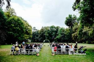 Cérémonie laïque - Château Couturelle - Décoration mariage cérémonie végétale - Arche végétale - Arche arrondie - Cérémonie en plein air- Les crâneuses - Arras - Lille - Amiens