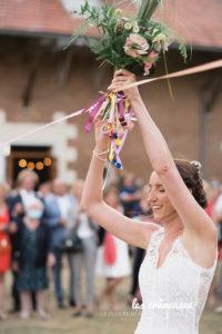 Mariage Voutes du Plessier - Jeu des rubans - Lancé du bouquet - Mariage champêtre - Les crâneuses